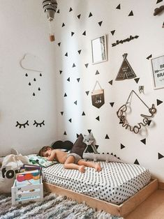 Montessori kinderkamer bed Source by femyl wallpaper Baby Bedroom, Baby Boy Rooms, Baby Room Decor, Nursery Room, Girls Bedroom, Bedroom Decor, Bedroom Ideas, Baby Beds, Room Baby