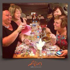 Yönetim alarm! Gerekli altyapıyı hazırlamanın vakti geldi… Alins bir dünya markası oldu!  Alice hanım doğum gününüz kutlu olsun  Paylaşım için turist misafirlerimize teşekkürler
