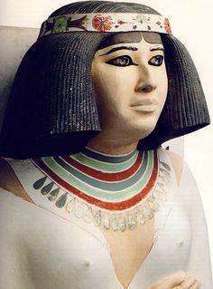 Detalle de la escultura de Nofret, tomado de Tesoros egipcios de la colección del Museo Egipcio de El Cairo,