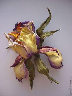 """Броши ручной работы. Ярмарка Мастеров - ручная работа. Купить цветы из кожи. брошь-ирис """"Акварель"""".. Handmade. Брошь-цветок"""