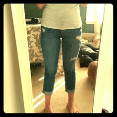 Abercrombie capris Distressed comfy and stretchy Abercrombie & Fitch Pants Capris