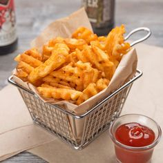 McCain Foods Skin-On Redstone Canyon Waffle Fries lb. Mccain Foods, Gourmet Recipes, Healthy Recipes, How To Make Waffles, Fast Casual Restaurant, Food Goals, Aesthetic Food, Food Cravings, Quick Easy Meals