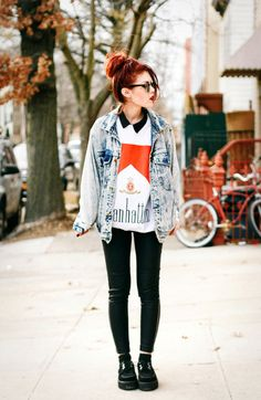 """oversized jean jacket - """"clope"""" sweatshirt - black skinny pants - creepers Dont think mom would want marbalo shirt on me :/ but hey- still a cute outfit Grunge Look, Grunge Girl, Grunge Style, Soft Grunge, 90s Grunge, Grunge Outfits, Grunge Fashion, Fashion Outfits, Hipster Fashion"""