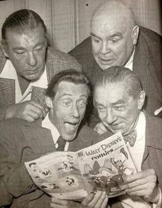 cryptofwrestling:  Lon Jr., Tor, John, and Bela digging a comic book.[via boysandghoulspodcast]