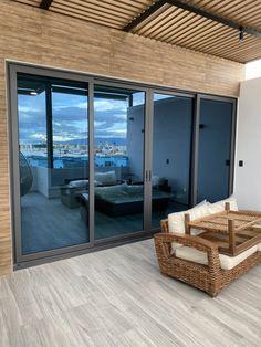 ¿Porqué elegir ventanas de aluminio? Divider, Room, Furniture, Home Decor, Aluminium Windows, Bedroom, Decoration Home, Room Decor, Rooms