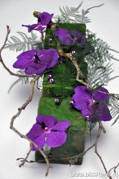 Art Floral, Deco Floral, Floral Design, Ikebana, Modern Floral Arrangements, Orchid Arrangements, Exotic Flowers, Beautiful Flowers, Corporate Flowers