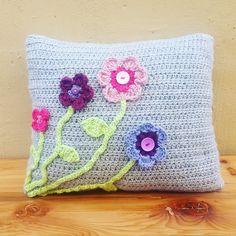 Crochet flower cushion by AllesMooi on Etsy