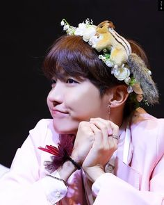 He's so precious Seokjin, Namjoon, Taehyung, J Hope Selca, Bts J Hope, Foto Bts, Jung Hoseok, Bts Bangtan Boy, Jhope