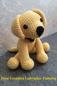 Free crochet Labrador pattern! Easy to follow instructions for a cute crochet puppy.