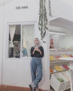 Hijab Jeans, Ootd Hijab, Hijab Chic, Street Hijab Fashion, Fashion Outfits, Casual Hijab Outfit, Hijab Fashion Inspiration, Muslim, Instagram