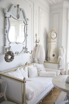 PEARL white ivory cream