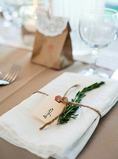 Wedding Decorations Simple Table Place Settings 36 Ideas For 2019 Table Place Settings, Wedding Place Settings, Wedding Centerpieces, Wedding Decorations, Table Decorations, Wedding Banners, Lake Resort, Wedding Places, Rustic Table