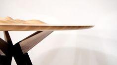 Ocean's Edge la table à ondulations par Tyson Atwell