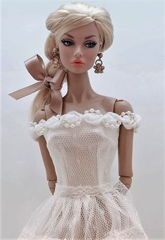 Barbie Dress, Barbie Clothes, Fashion Royalty Dolls, Fashion Dolls, Barbie Bridal, That Poppy, Lifelike Dolls, Glamour Dolls, Diy Dress