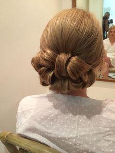 A wedding trial of barrel curls x