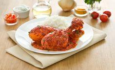 POLLO TANDOORI (INDIA)    difficoltà: **  tempo: 45 minuti  porzioni: 6 persone  INGREDIENTI:  •6 cosce di pollo  •300 ml di yogurt  •100 ml di Mamma che Brodo! Pollo Knorr  •1 cipolla  •1 spicchio d'aglio  •1 lime  •2 pomodori da salsa  •1 cucchiaio di passata di pomodoro  •1 cucchiaio di olio extravergine d'oliva  •1 cucchiaino di paprica  •1 cucchiaino di semi di coriandolo  •1 cucchiaino di cumino  •1 cucchiaino di zenzero  •1 cucchiaino di garam masala  •200 gr di riso basmati