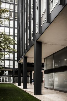 Ludwig Mies van der Rohe (1886-1969) | 860–880 Lake Shore Drive | Chicago | 1949-1951