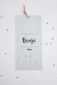 Langwerpig geboortekaartje van Benja in mintgroen, zwart en wit - ontwerp door www.leesign.nl #leesign #geboortekaart #geboortekaartje #benja #mintgroen #zwartwit #zwart #wit #stippen #confetti #dots #birthcard #birth #card #announcement #leesign