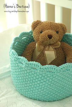 ...Handy Crafter...: Custom crochet storage lace edge basket