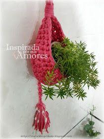 Inspirada por mis amores: CESTA DE CROCHET COLGANTE EN TOTORA CON BORLA Crochet Teddy Bear Pattern, Love Crochet, Plant Hanger, Diy Gifts, Macrame, Decoration, Art Projects, Creations, Home Decor