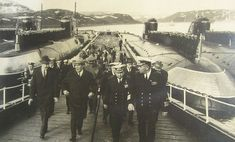 Brezhnev inspecting two Pr. 627 November SSNs and two Pr. 675 Echo II SSGNs