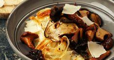 Schorseneer met wilde paddenstoelen, room en parmezaanschilfers