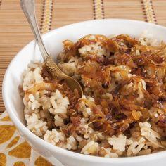 oignon riz cube de bouillon by Read Lentil Recipes, Rice Recipes, Snack Recipes, Tagine Recipes, Cream Recipes, Easy Smoothie Recipes, Healthy Crockpot Recipes, Healthy Ground Beef, Food Porn