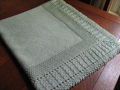 'Free Pattern....http://www.ravelry.com/patterns/library/sleeping-beauty-baby-blanket-2'