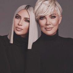 Kim Kardashian and Kris Jenner Kim Kardashian Cabelo, Kardashian Jenner, Kourtney Kardashian, Kendall Jenner, Kardashian Style, Going Platinum Blonde, Platinum Blonde Highlights, Blonde Balayage, Platinum Blonde Pixie