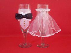 Taças decoradas para noivos. Acabamento e detalhes podem ser mudados de acordo com a vontade do cliente