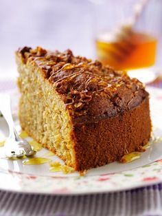 Try your hand at these quick and healthy pudding recipes for carrot cake, cheesecake bites, apricot slice, honey cake and Easy Pudding Recipes, Baking Recipes, Cake Recipes, Dessert Recipes, Desserts, Baking Ideas, Snack Recipes, Food Cakes, Cup Cakes