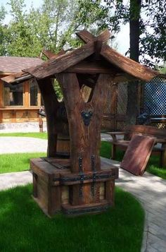 My choice - cut slab of tree in 2 pcs for supports Old West Town, Wood Joints, Pond Design, Wooden Swings, Water Well, Wooden Garden, Wishing Well, Pallet Furniture, Backyard Landscaping