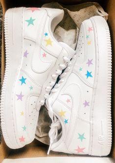 Cute Nike Shoes, Cute Nikes, Cute Sneakers, Nike Air Shoes, Shoes Cool, Cute Teen Shoes, Sneakers Mode, Jordan Shoes Girls, Girls Shoes