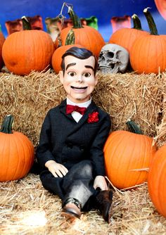 New Goosebumps Haunted Hallowing Featurette And Special Screening Halloween Movie Night, Haunted Halloween, Slappy Costume, Goosebumps 2, Slappy The Dummy, Cartoon Songs, Disney Precious Moments, Lowrider Art, Novel Characters
