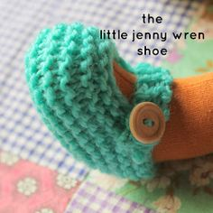 knitted doll patterns little jenny wren . life and dolls : the little jenny wren shoe, a simple knitted doll shoe Doll Shoe Patterns, Knitted Doll Patterns, Crochet Doll Pattern, Knitted Dolls, Crochet Dolls, Knitting Patterns Free, Baby Knitting, Crochet Cats, Crochet Birds