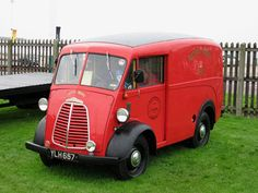 Morris royal mail van Vintage Vans, Vintage Trucks, Old Trucks, Commercial Van, Commercial Vehicle, Classic Trucks, Classic Cars, Electric Van, Automobile