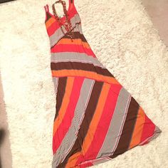 American Rag maxi dress, Small, coral/orange/brown Absolutely love the diaganols on this maxi dress!! Super slimming and flattering. American Rag (Macys house junior brand) size small, so a XS/Small in normal adult sizing. Tank style top, fitted through mid, flows at bottom.  Haven't worn even once - no signs of wash or wear and no flaws! ❤️Lovely❤️ American Rag Dresses Maxi