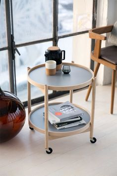 BRDR.Kruger tray table - perfect bedside table