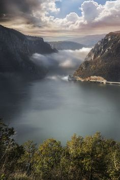 The Đerdap National Parkstretches along the right bank of the Danube River from the Golubac fortress to the dam near Sip, Serbia. It spreads over 640 square kilometres and the park management offi...