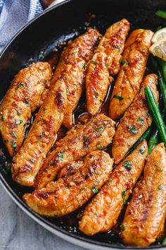 Lemon Garlic Butter Chicken Tenders and Green Beans Skillet -You can find Butter and more on our website.Lemon Garlic Butter Chicken Tenders and Green Beans Skillet - Comida Pizza, Healthy Dinner Recipes, Cooking Recipes, Delicious Recipes, Tasty, Chicken Skillet Recipes, Recipes With Chicken Tenders, Easy Chicken Tender Recipes, Chicken Tenderloin Recipes