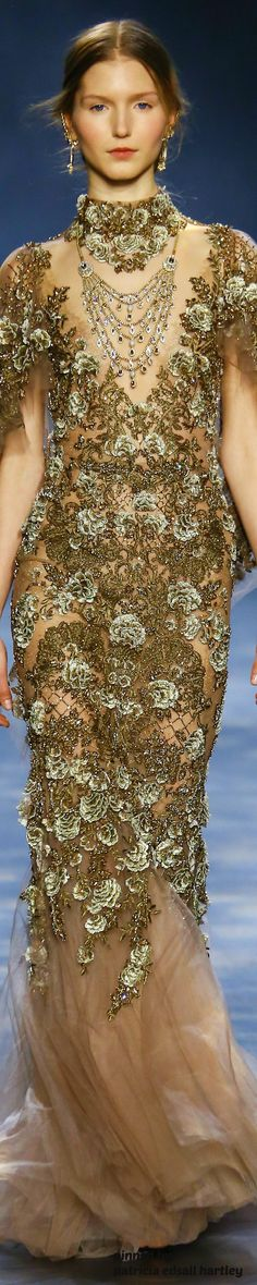 Marchesa Fall 2016 RTW ~ love this gown...a tad different for me, I normally don't look at fashion with such a personal eye ~