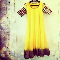 Less is always more!  #sarees#saris#indianclothes#womenwear #anarkalis #lengha #ethnicwear #fashion #ayushkejriwal#Bollywood #vogue #indiandesigners #handmade #britishasianfashion #instalove #desibride #bollywoodfashion #aashniandco #perniaspopupshop #style #indianbeauty #classy #instafashion #lakmefashionweek #indiancouture #londonshopping #bridal #allthingsbridal #statementpieces #weddingideas