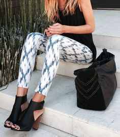 White and blue pants. Black top. Black sandal. Summer style. Work style.