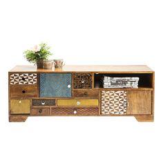 Fantastisk flott TV-benk i massivt brunt tre, med skuffer i assorterte farger og størrelser. H45 x B125 x D40cm – Ca 39kg
