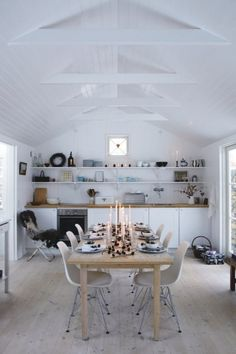 #interior #styling #dining #decor #scandinavian #natural #Christmas #Eames #kitchen #white