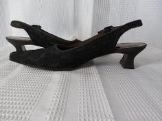STUART WEITZMAN Slingback Heels Sz 5 1/2 5.5 B Brown lace overlay Block heel