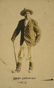 Le chef apache Geronimo et sa canne : surtout un signe d'autorité.