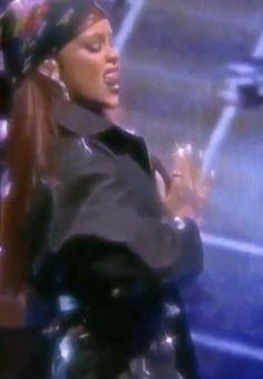 Rihanna Baby, Rihanna Love, Rihanna Riri, Rihanna Style, Badass Aesthetic, Film Aesthetic, Aesthetic Videos, Fast And Furious Actors, Rihanna Video