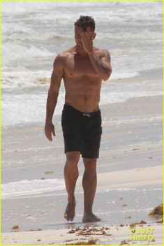 Ryan Phillippe Showing Off Shirtless Body Again 16 Tim Mcgraw Hombres Atractivos Fotos De