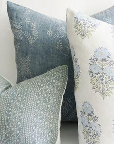 Home Luxury, Coastal Living Rooms, Blue Pillows, Owl Pillows, Burlap Pillows, Couch Cushions, Scatter Cushions, Decorative Pillow Covers, Decorative Cushions